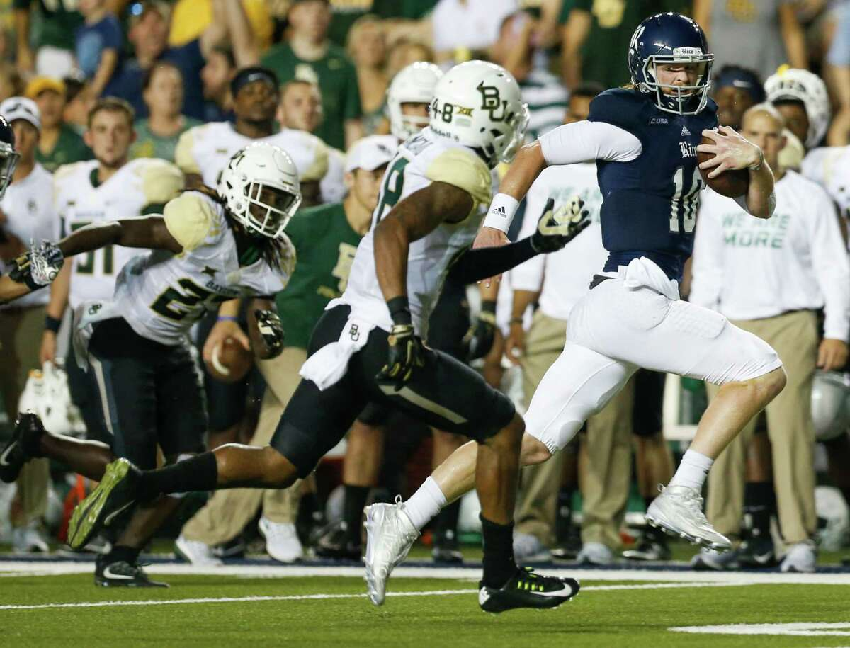Rice quarterback Tyler Stehling (10) runs down the sidelines for a long gain against the Baylor defense during the second quarter of an NCAA football game at Rice Stadium on Friday, Sept. 16, 2016, in Houston.