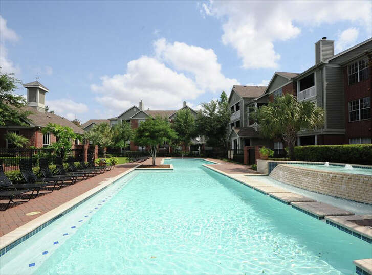 Origin Investments and F&B Capital have purchased the 334-unit AMLI at the Medical Center apartments at 7009 Almeda. The complex was built in 2000.
