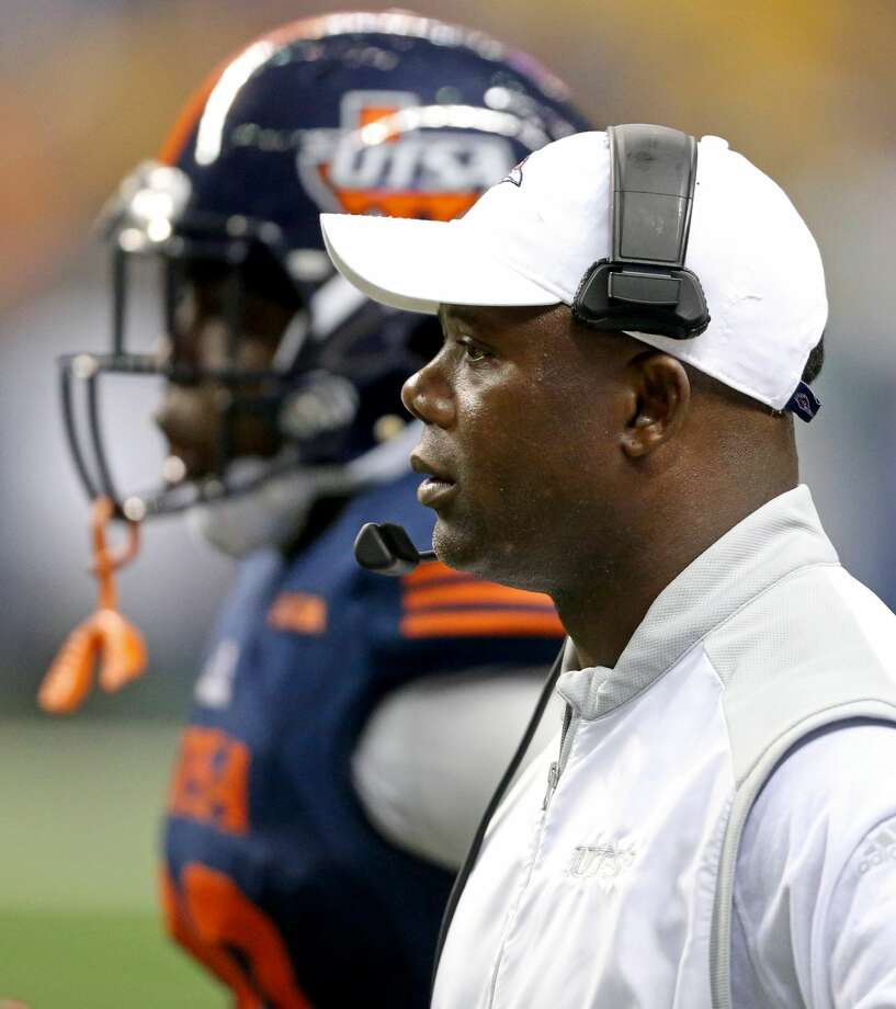 UTSA Roadrunners head coach Frank Wilson on the sideline during first half action against the Arizona State Sun Devils Friday Sept. 16, 2016 at the Alamodome. Photo: Edward A. Ornelas/San Antonio Express-News