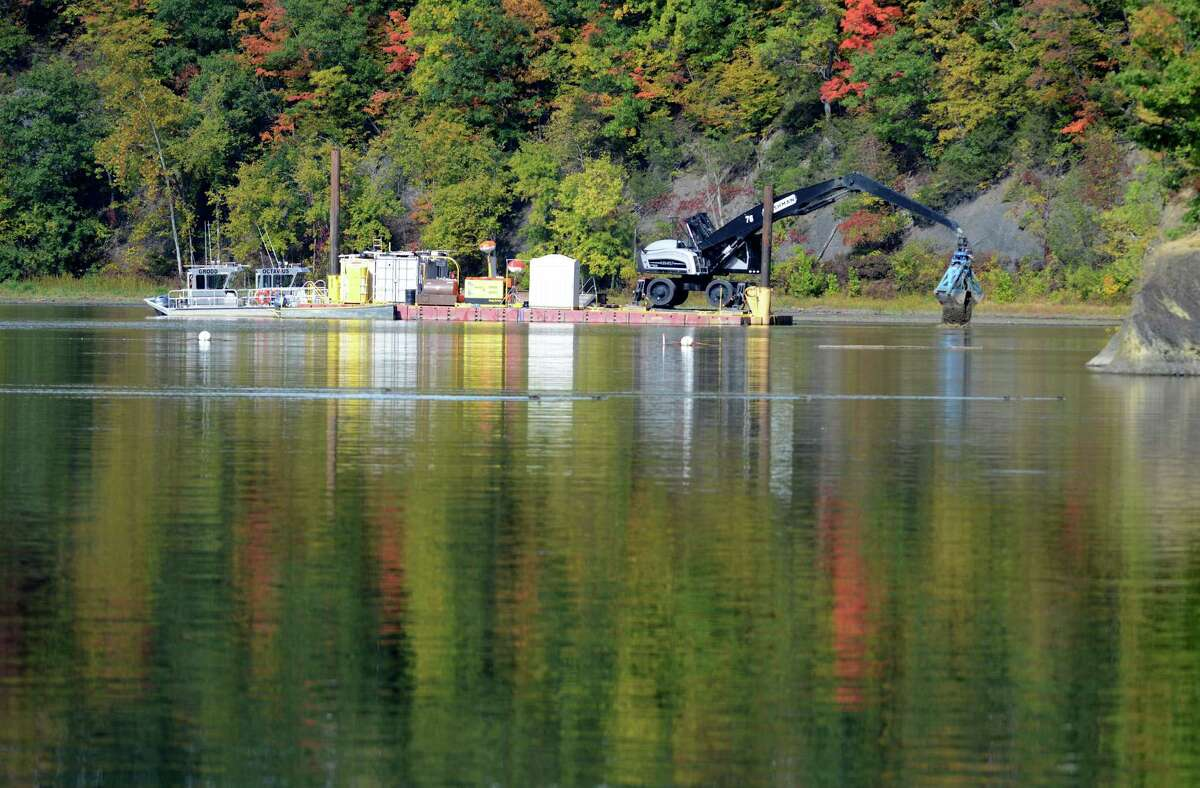Backfill is added to a PCB dredge site just north of Lock 2 on the Hudson River Monday afternoon, Oct. 5, 2015, in Halfmoon, N.Y. General Electric announced Monday that it has completed dredging in New York?'s upper Hudson River. (Will Waldron/Times Union)