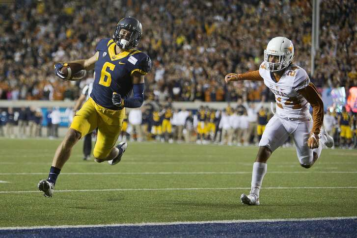 BERKELEY, CA - SEPTEMBER 17:  Wide receiver Chad Hansen #6 of the California Golden Bears scores on a two-point conversion against cornerback John Bonney #24 of the Texas Longhorns in the fourth quarter on September 17, 2016 at California Memorial Stadium in Berkeley, California.  Cal won 50-43.  (Photo by Brian Bahr/Getty Images)