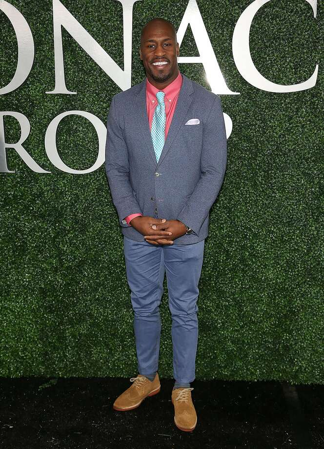 Vernon Davis attends The Stronach Group Owner's Chalet at 141st The Preakness at Pimlico Race Course on May 21, 2016 in Baltimore, Maryland. Photo: Paul Morigi, Getty Images For The Stronach Gr