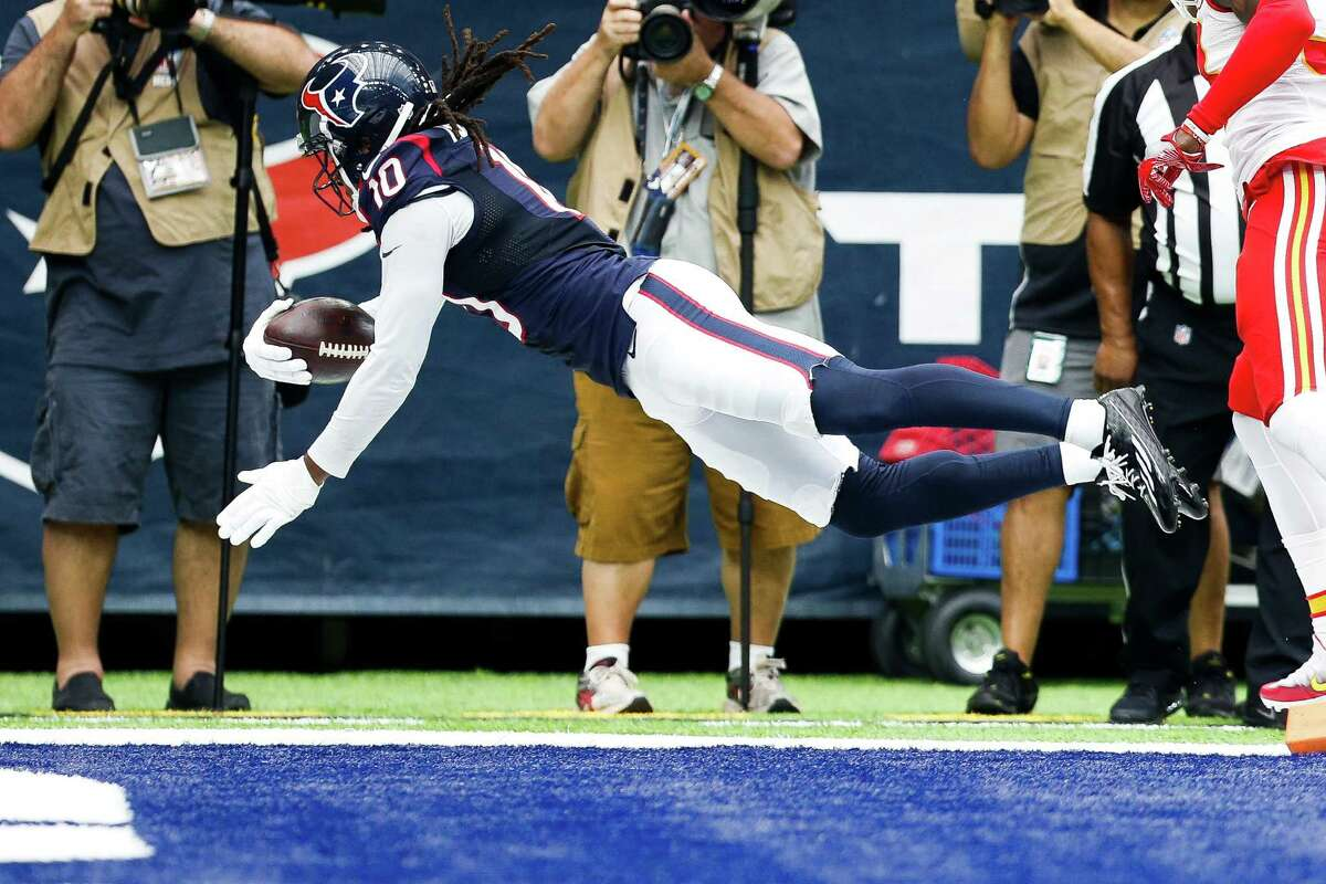 WIDE RECEIVER/TIGHT END DeAndre Hopkins (7 for 113) and Will Fuller (4 for 104) reached triple digits. Fuller had 70 yards on the first series. He caught a perfectly thrown pass from Brock Osweiler for a 53-yard gain. Rookie tight end Stephen Anderson added two receptions. Grade: B-plus