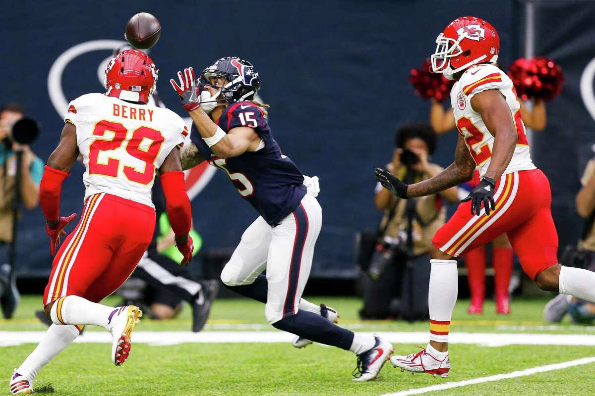 Houston Texans wide receiver Will Fuller (15) makes a catch during the first quarter of an NFL football game at NRG Stadium on Sunday, Sept. 18, 2016, in Houston.