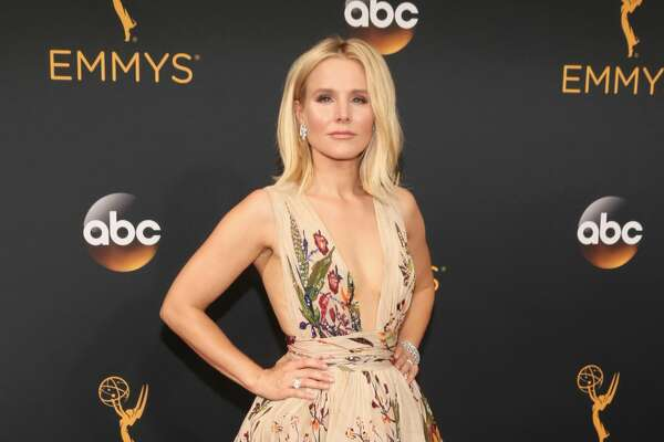 LOS ANGELES, CA - SEPTEMBER 18: Actress Kristen Bell attends the 68th Annual Primetime Emmy Awards at Microsoft Theater on September 18, 2016 in Los Angeles, California.  (Photo by Todd Williamson/Getty Images)