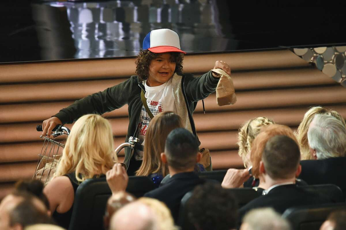LOS ANGELES, CA - SEPTEMBER 18: Actor Gaten Matarazzo passes out peanut butter and jelly sandwiches to the audience during the 68th Annual Primetime Emmy Awards at Microsoft Theater on September 18, 2016 in Los Angeles, California. (Photo by Kevin Winter/Getty Images)