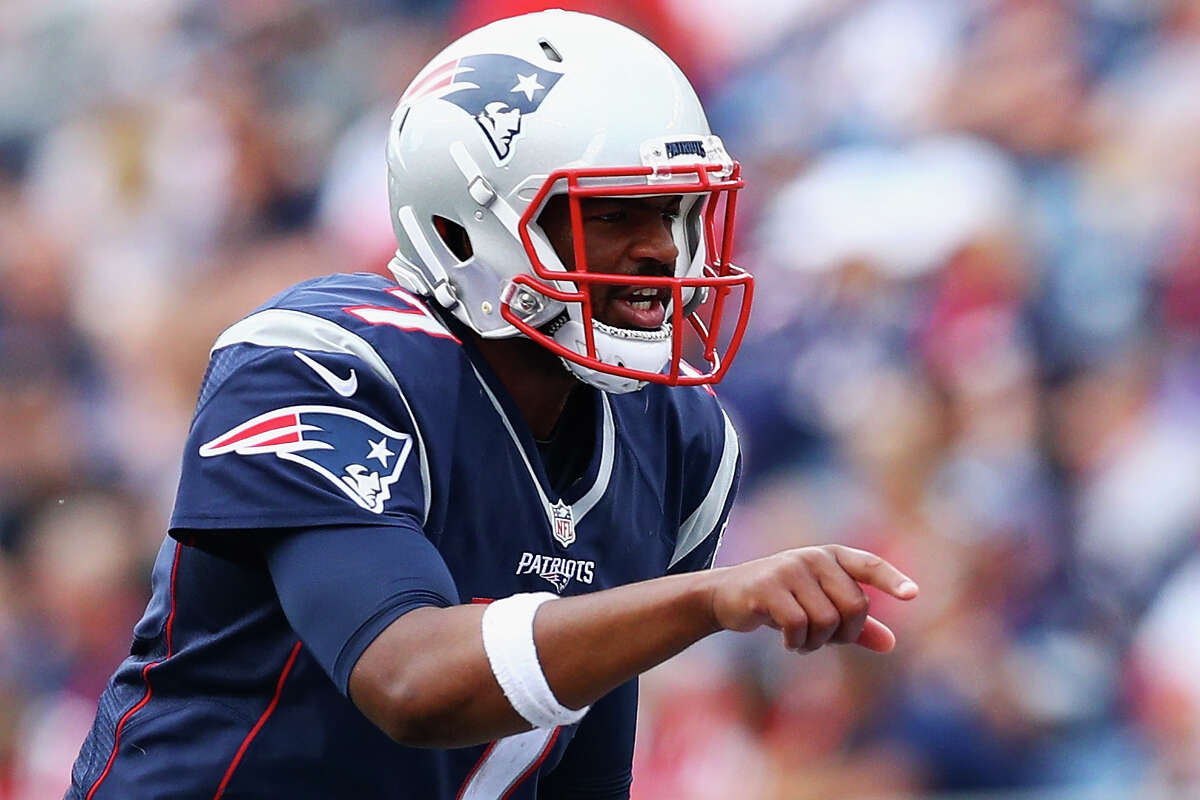 FOXBORO, MA - SEPTEMBER 18: Jacoby Brissett #7 of the New England Patriots communicates before a play against the Miami Dolphins during the second half at Gillette Stadium on September 18, 2016 in Foxboro, Massachusetts.