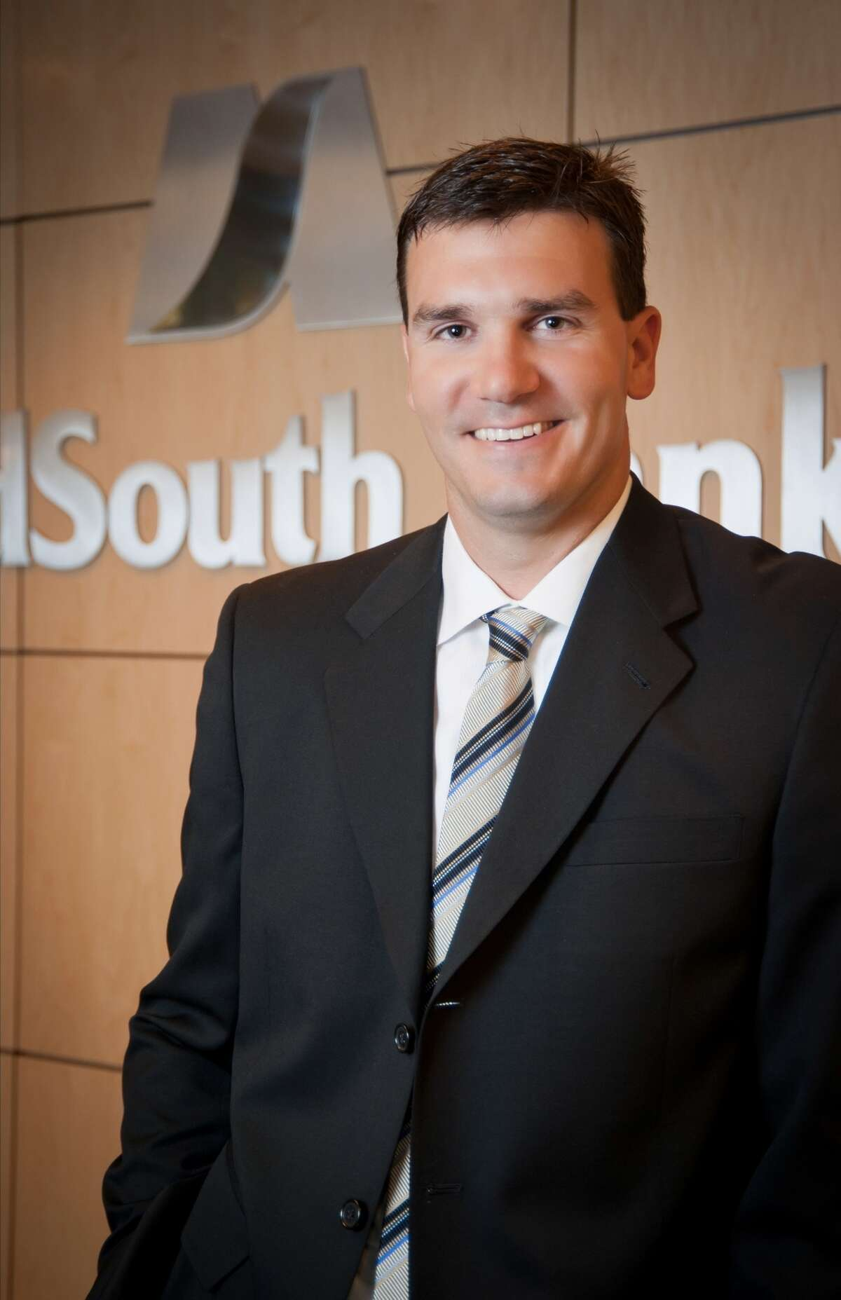 Former pro NFL quarterback Jake Delhomme will serve as chairman of the board of Midsouth Bank.