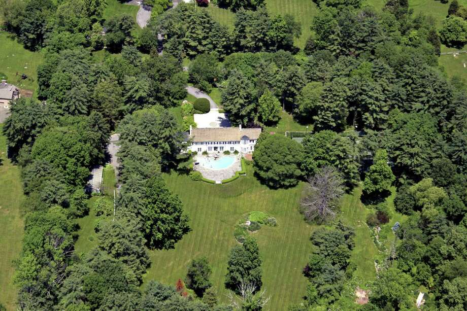A 5.8-acre estate owned in 2009 by real estate investor Barry Sternlicht, on Old Mill Road in Greenwich. Photo: / ST / William Raveis Real Estate