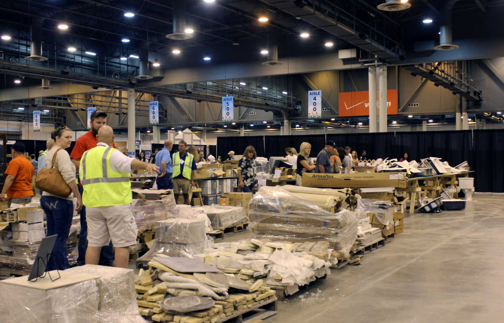 Home And Garden Shows Charity Garage Sale Offers Great Deals - Home and garden show dallas