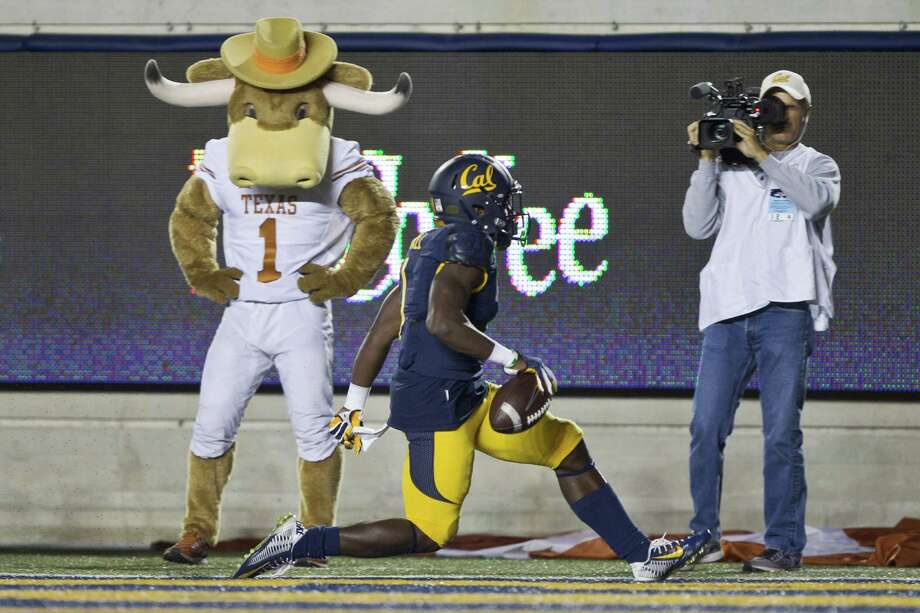 Gallery: The cost of firing a coachWide receiver Melquise Stovall of the California Golden Bears scores a touchdown against the Texas Longhorns in the first half on September 17, 2016 in Berkeley, California.Keep going to see just how much it would cost an unhappy team to fire their coach last season.  Photo: Brian Bahr, Stringer / 2016 Getty Images