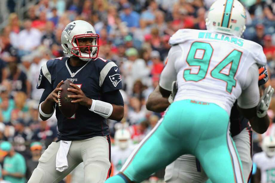 FOXBORO, MA - SEPTEMBER 18:  Jacoby Brissett #7 of the New England Patriots looks to pass the ball during the second half against the Miami Dolphins at Gillette Stadium on September 18, 2016 in Foxboro, Massachusetts.  (Photo by Jim Rogash/Getty Images) ORG XMIT: 659049527 Photo: Jim Rogash / 2016 Getty Images