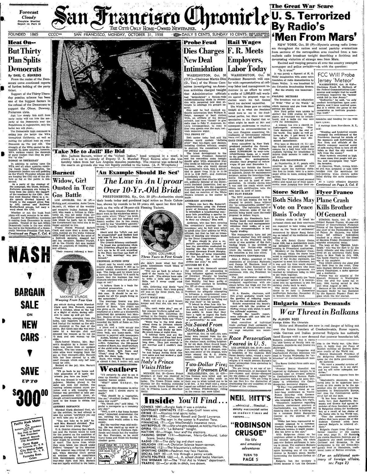Historic Chronicle Front Page October 31, 1938 Orson Welles radio broadcast of H.G. Wells' War of the Worlds causes fear and panic Chron365, Chroncover