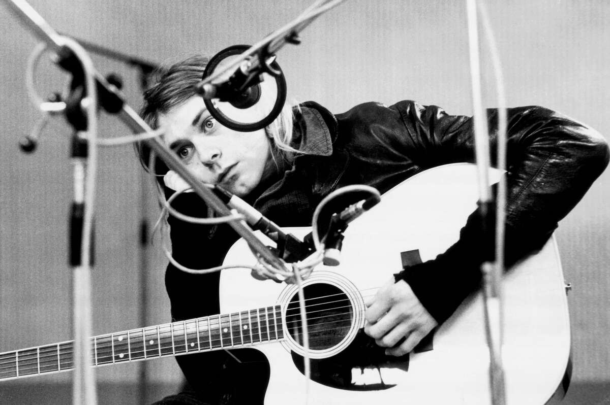See Nirvana live onstage and in the studio in 1991 Kurt Cobain, recording in Hilversum Studios in the Netherlands, with an acoustic guitar on Nov. 25, 1991. (Photo by Michel Linssen/Redferns) See the band in action just as they were becoming certified rock gods...