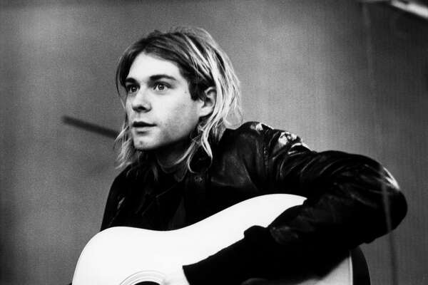 NETHERLANDS - NOVEMBER 25:  HILVERSUM  Photo of Kurt COBAIN and NIRVANA, Kurt Cobain recording in Hilversum Studios  (Photo by Michel Linssen/Redferns)