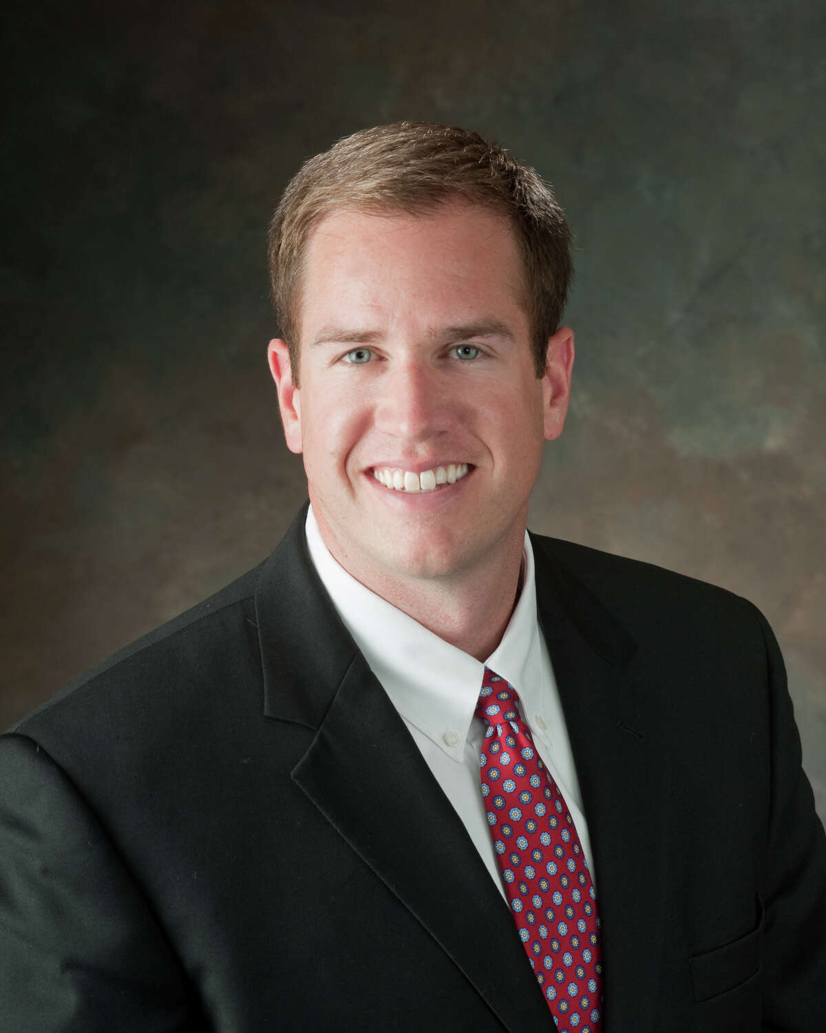 Brandon Bean has rejoined Avison Young as a vice-president specializing in multi-family investment sales.