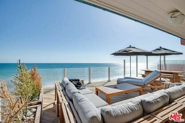 21844 Pacific Coast Hwy, Malibu, CA 90265    Owned by Leonardo DiCaprio   3 beds 2 baths 1,765 sqft   Price:   $10,950,000     View full listing on Zillow