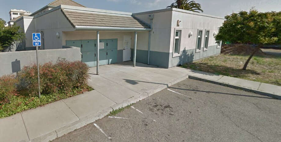 Oakland Animal Services, where a pit bull mix that bit a neighbor will be euthanized. Photo: Google Maps / Google Maps