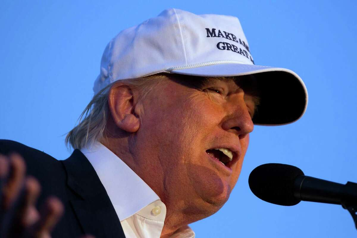 Republican presidential candidate Donald Trump is a master of misdirection. If he's called a bigot - with good reason - he calls Hillary Clinton one. If he's called a liar, he doubles down on that word for Clinton. He is playing American voters for chumps.