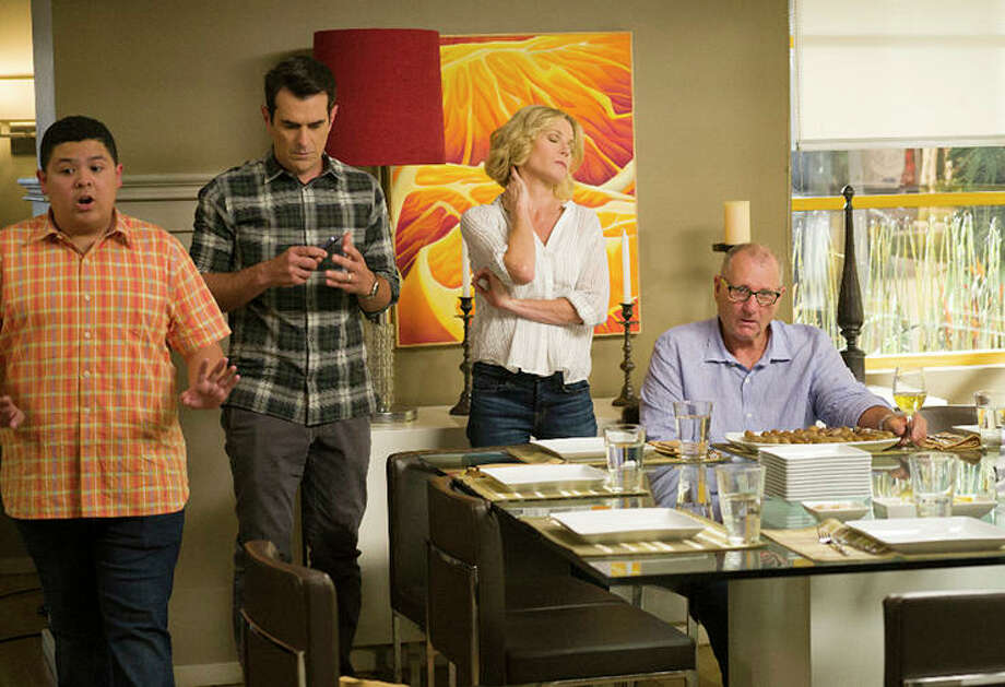 'Modern Family' renewed for two more seasons