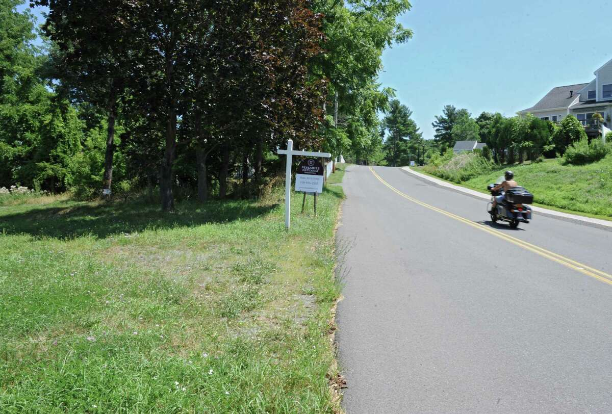 Land for sale at 226 Cemetery Road on Thursday, July 21, 2016 in Troy, N.Y. (Lori Van Buren / Times Union)