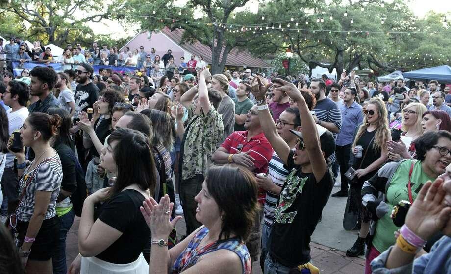 La Villita's Maverick Plaza will be home to three new restaurants slated to open in 2021. Photo: Edward A. Ornelas /San Antonio Express-News / © 2016 San Antonio Express-News