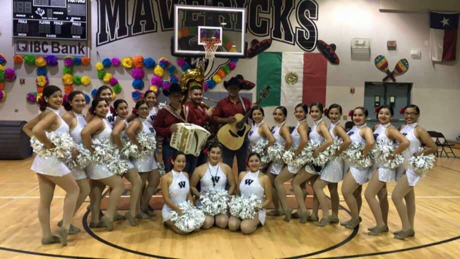 CC Winn students in Eagle Pass organized a pep rally on Sept. 16, 2016 that has become a viral Facebook hit viewed by people applauding the teenager's success in staying true to their Mexican heritage. Photo: Eagle Pass Independent School District