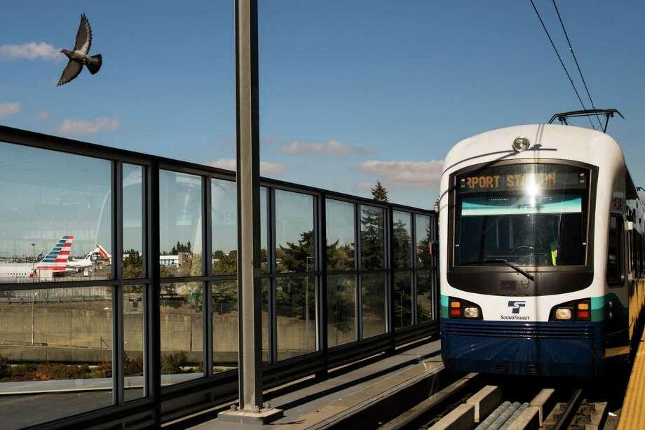 Sound Transit saw ridership on Link light rail jump 71 percent in the third quarter of 2016. Photo: GRANT HINDSLEY, SEATTLEPI.COM / SEATTLEPI.COM