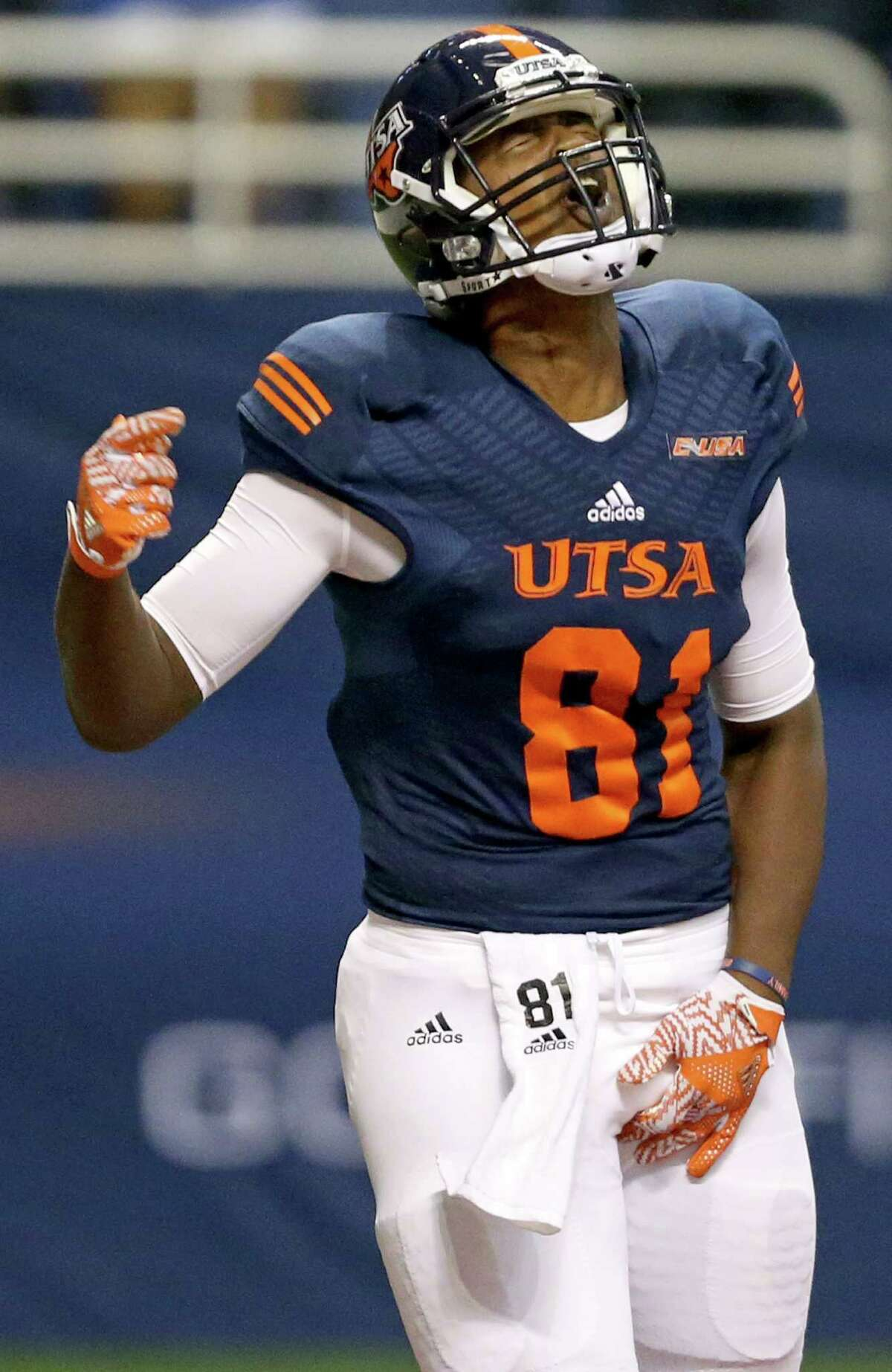 UTSA Roadrunners tight end Shaq Williams celebrates after scoring a touchdown during second half action against the Arizona State Sun Devils Friday Sept. 16, 2016 at the Alamodome. The Arizona State Sun Devils won 32-28.
