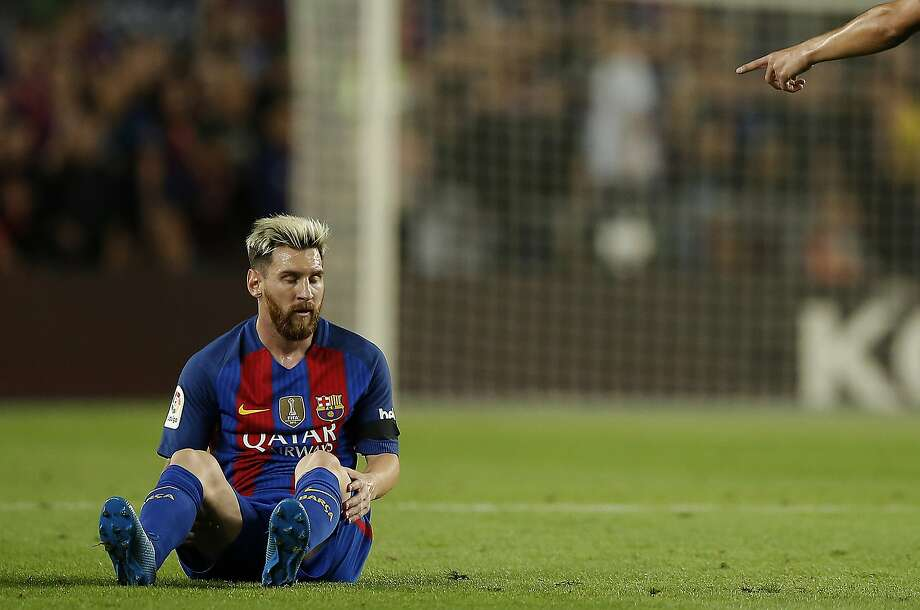 FC Barcelona's Lionel Messi pauses during the Spanish La Liga soccer match against Atletico Madrid at the Camp Nou in Barcelona, Spain, Wednesday, Sept. 21, 2016. (AP Photo/Manu Fernandez) Photo: Manu Fernandez, Associated Press
