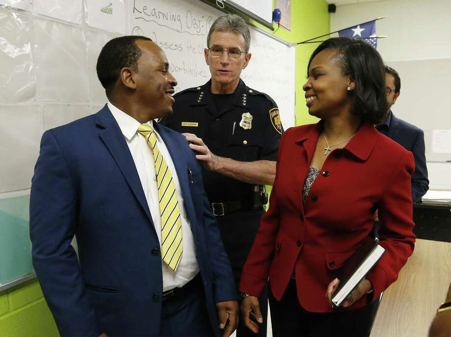 Citizen Walter Perry (from left), Police Chief William McManus and Mayor Ivy Taylor gathered to address the media on Wednesday night after the city held the first meeting of the Mayors Council on Police-Community Relations (CPCR), at the Career & Technical Education building at Sam Houston High School, 4635 E. Houston St., 78220. The council includes almost three dozen community leaders, including a former county commissioner, religious leaders, a candidate for the Texas House of Representatives, police union members and a representative for a current state rep. will be in attendance. Photo: Kin Man Hui /San Antonio Express-News / ©2016 San Antonio Express-News