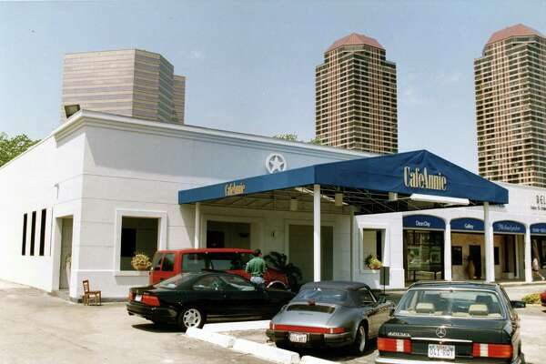 04/13/1993 - Cafe Annie restaurant at 1728 Post Oak Blvd.