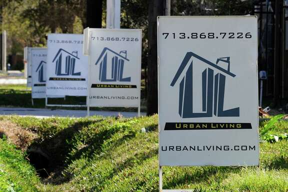 Mortgage giant Freddie Mac says the average for the 30-year fixed-rate mortgage declined to 3.48 percent from 3.50 percent last week.