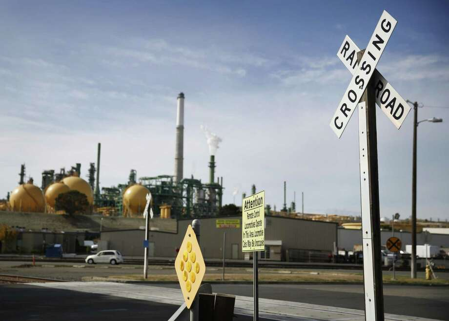 Valero's Benicia refinery was given six citations by the Bay Area Air Quality Management District related to a May 5 flaring incident. Photo: The Chronicle / ONLINE_YES