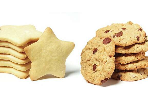 First Spouses face off: Melania Trump's star-shaped sugar cookies (left) vs the Clinton Family Oatmeal Chocoate Chip Cookies (right)