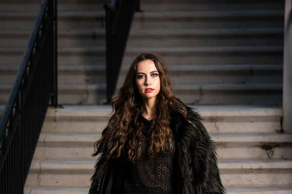 Fashion for Life fashion show by designer Daniel Mozzes. Photo credits to Jon Seelow Photography Female Model: Alyssa Decker