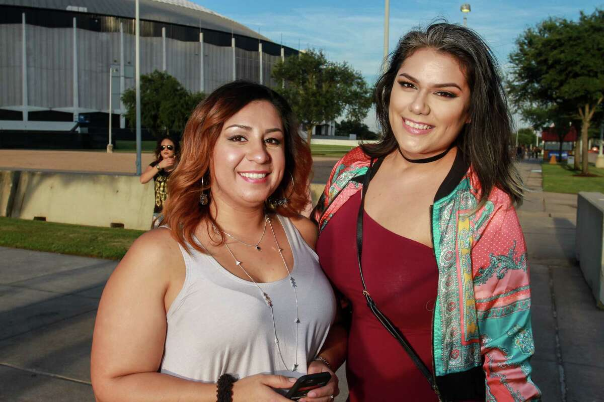 Fans attending the Beyonce concert at NRG Stadium. (For the Chronicle/Gary Fountain, September 22, 2016)