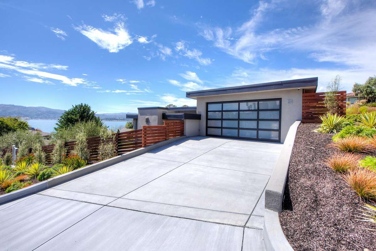 21 Gilmartin Drive is a newly built four bedroom in Tiburon available for $7.585 million.