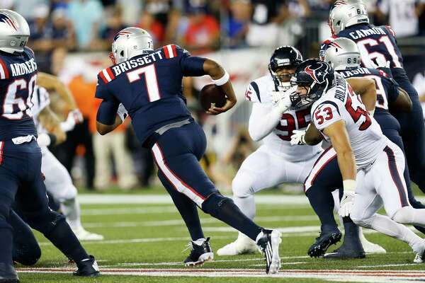 New England Patriots quarterback Jacoby Brissett (7) finds a hole to make a run during the second quarter of an NFL football game at Gillette Stadium on Thursday, Sept. 22, 2016, in Foxborough, Mass.