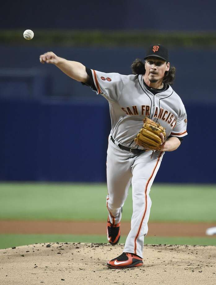 SAN DIEGO, CALIFORNIA - SEPTEMBER 22:  Jeff Samardzija #29 of the San Francisco Giants pitches during the first inning of a baseball game against the San Diego Padres at PETCO Park on September 22, 2016 in San Diego, California.  (Photo by Denis Poroy/Getty Images) Photo: Denis Poroy, Getty Images