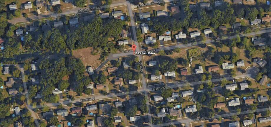 Stratford Animal control officers and police said a Rottweiler and Pit Bull escaped from a yard at 225 Reut Drive and attacked a mother and her 22-month-old child on Quenby Place, a block over.
