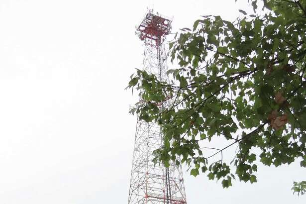 In September 2016, Cushman & Wakefield listed for sale a Frontier Communications vehicle dispatch center and cellular tower located at 10 Willard Rd. in Norwalk, Conn.