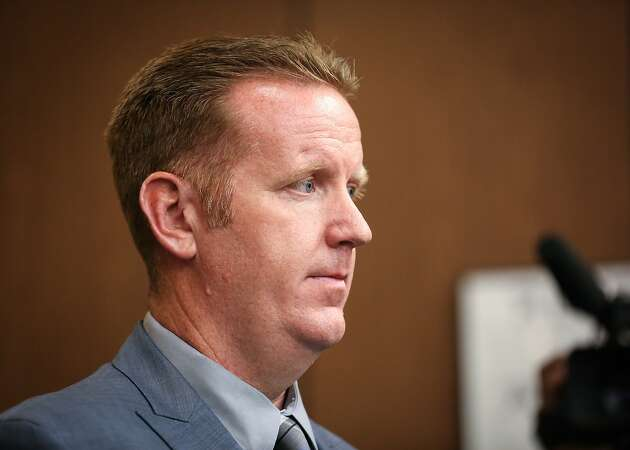 Teen testifies Oakland cop coached her how to be good prostitute