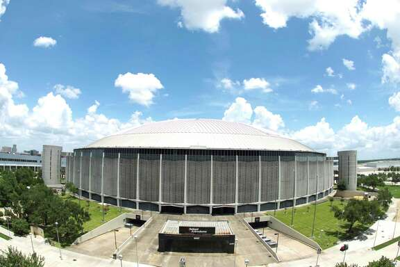 Three years ago, voters rejected a $213 million plan to turn the Astrodome into a fully equipped exposition space. Harris County Judge Ed Emmett's plan saves the Dome at half the cost and without all the bells and whistles.. ( Nick de la Torre / Chronicle )