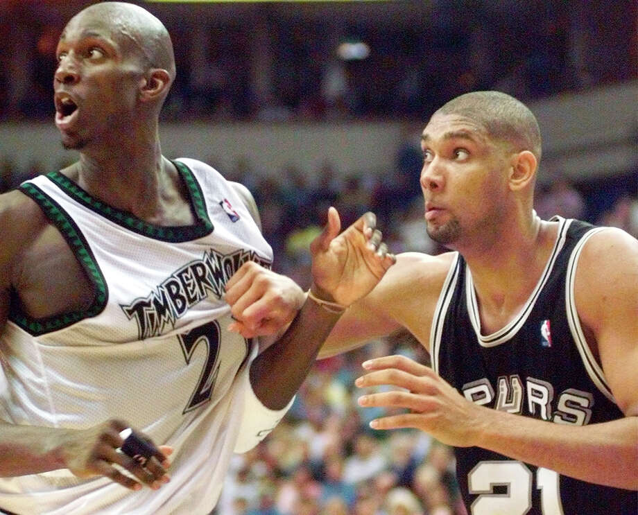 Kevin Garnett eventually quit talking trash to Tim Duncan because San Antonio's 5-time champion wouldn't react. Photo: DELCIA LOPEZ/EN