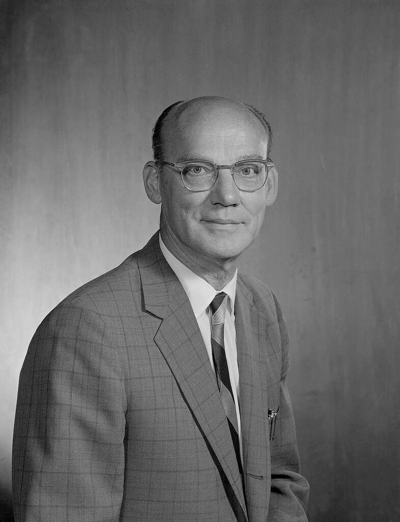 edward lofgren uc physicist who worked on manhattan project dies this undated photo released by the lawrence berkeley national laboratory shows edward joseph lofgren a
