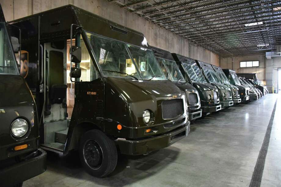 UPS Unveils Saturday Delivery - And 6000 New Jobs