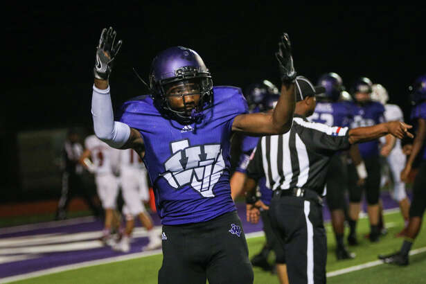 Willis' Taion Chatman (7) celebrates after scoring a touchdown during the varsity football game against Tomball on Friday, Sept. 16, 2016, at Yates Stadium in Willis, Texas.