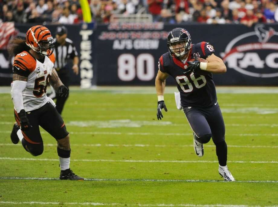 Texans tight end Garrett Graham looks for running room against the Bengals. Photo: Dave Einsel
