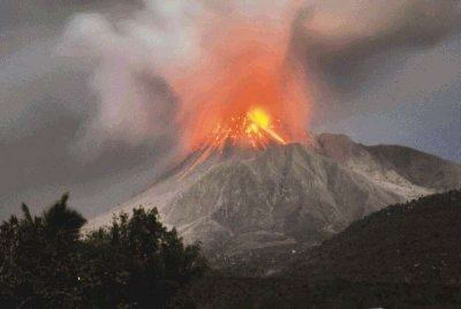 The Soufriere Hills volcano erupts in the Caribbean island of Montserrat on Jan. 23. / AP
